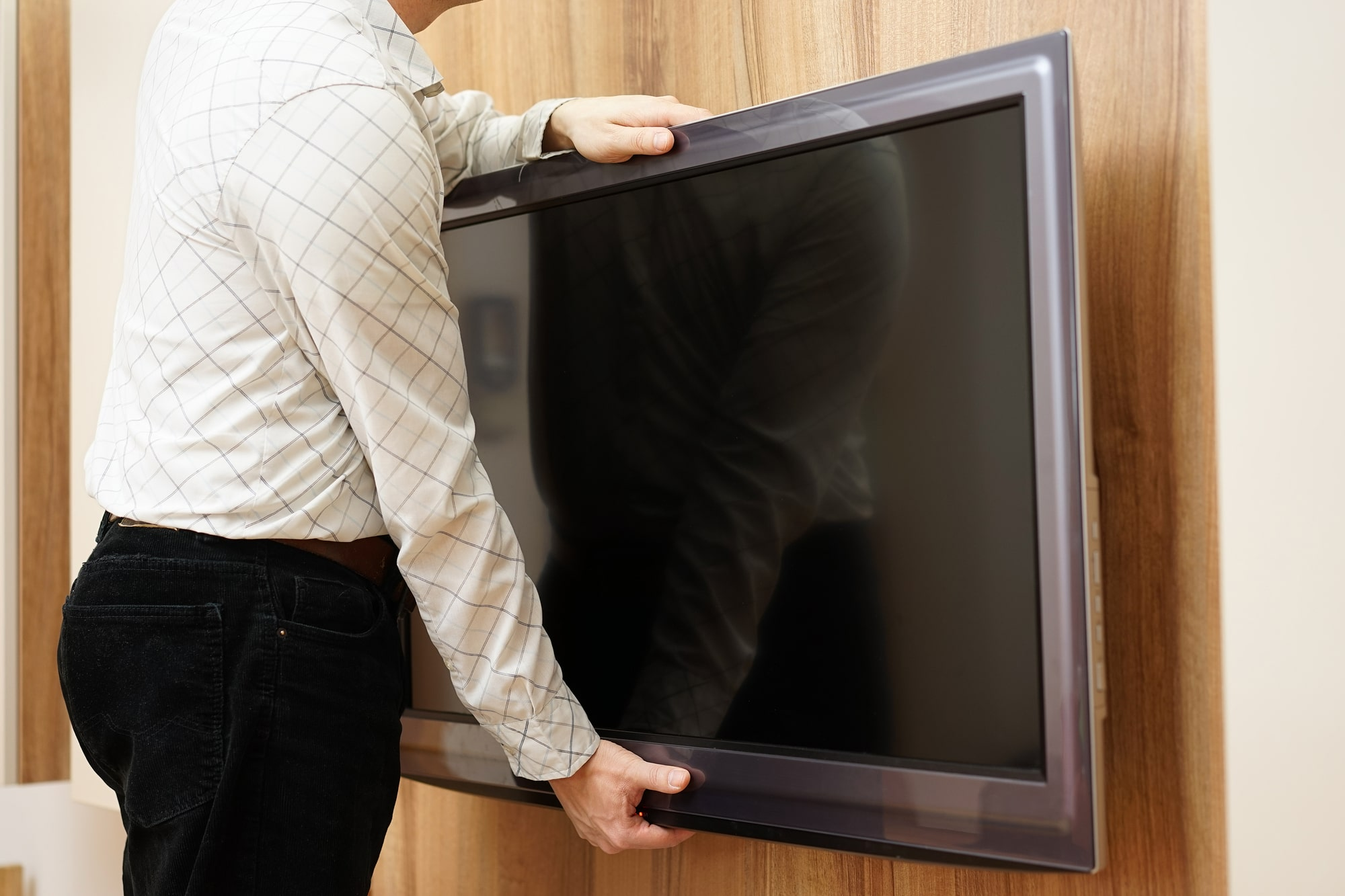 TV Storage Tips: How to Move a TV into Storage